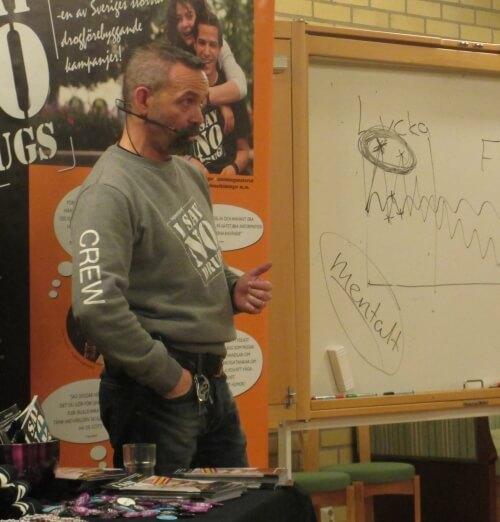 Alex Breeze, I SAY NO DRUGS, gav en drogföreläsning i Skåne hos en församling