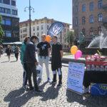 På FN:s Internationella dag mot missbruk och olaglig handel med narkotika var I SAY NO DRUGS på Järntorget i Göteborg och delade ut förebyggande droginformation.