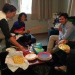 Nya Zeeland tar emot Alex Breeze, I SAY NO DRUGS, här på ett besök hos en familj.